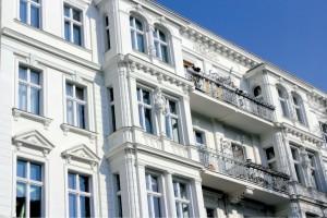 Wohnimmobilien kaufen als attraktive Kapitalanlage in Berlin © ArTo – Fotolia
